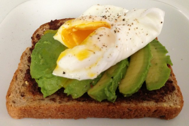 egg and avacado 1