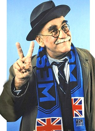 TELEVISION PROGRAMMES... A Word With Alf; Warren Mitchell pictured as Alf Garnett, the character created by writer Johnny Speight.